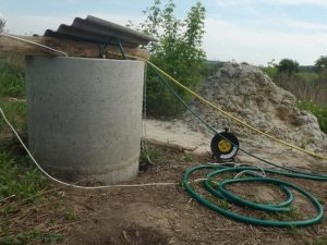 колодец для водопровода на участке