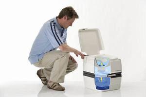 чистка биотуалета