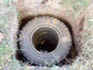 канализация из покрышек1